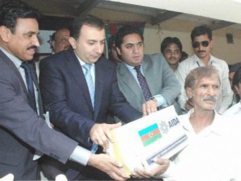 Azerbaijan's Government provided humanitarian aid to the flood hit persons of Sargodha
